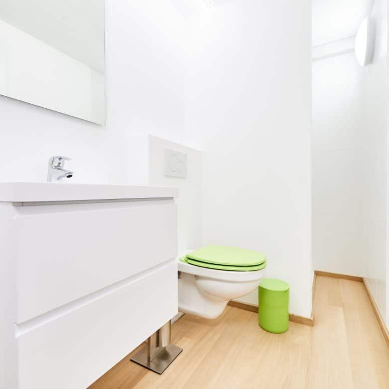 Revêtement en bois choisir pour sa salle de bain